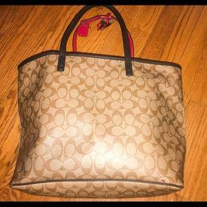 Coach Bags - Coach ⭐️ Signature Tote Handbag ❥